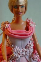 Barbie [Neckline detail]